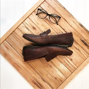 | born | Loafers